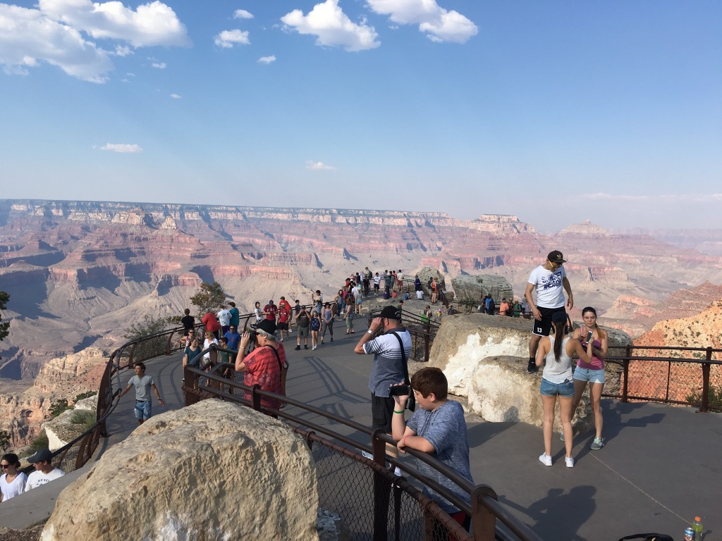 Mather Point at Grand Canyon National Park | Photo: Tom Tash/Chimani