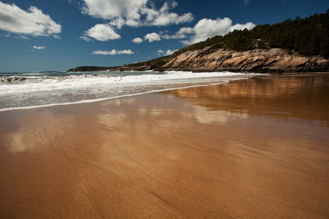 Sand Beach toward Otter Cliffs in Acadia National Park (David Patterson)